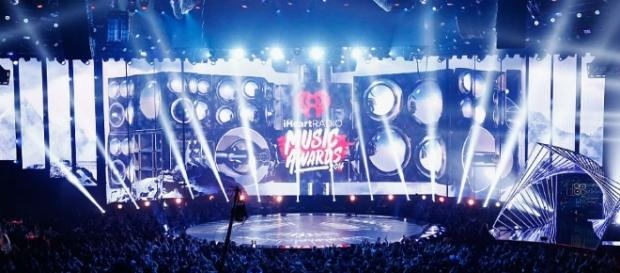 The iHeartRadio Music Awards 2017 edition arrive on Sunday night for viewers to enjoy. [Image via Blasting News image library/inquisitr.com]