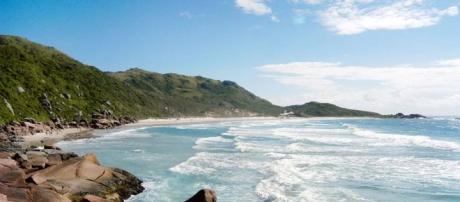 No Brasil existem 10 praias oficiais de nudismo