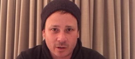 Tom DeLonge parla di UFO (credit: Open Minds Production/YouTube)