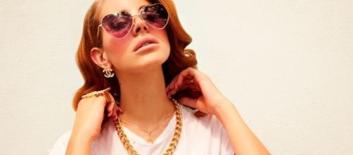 Lana Del Rey has a new album coming in 2017/Photo via top10songsnews.com