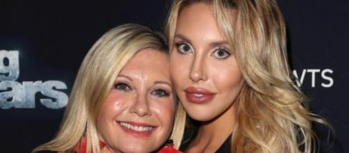 Olivia Newton John's daughter Chloe regrets plastic surgery - Photo by Blasting News Library, File