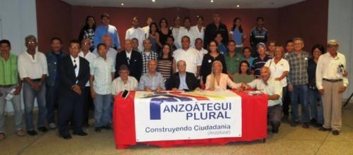 Parte del equipo de ciudadanos que se forman en Venezuela