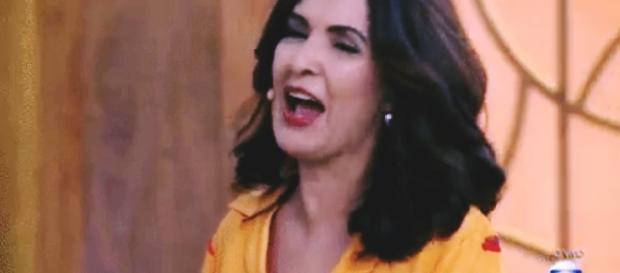 Fátima Bernardes fica sem graça com convidada
