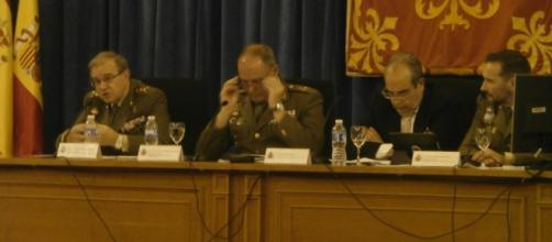 Debate sobre la insurgencia en la Escuela de Guerra del Ejército.