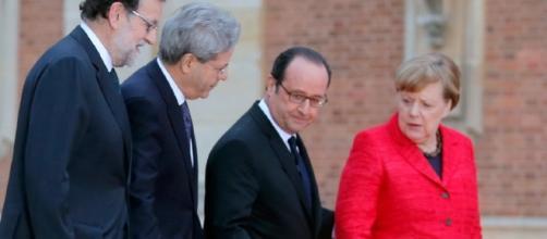 L'Europa sta insieme? Per Hollande, Merkel, Gentiloni e Rajoy sì, basta integrare velocità diverse. Foto: Ansa.
