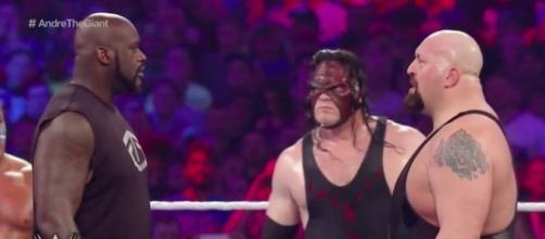 Shaq vs Big Show at Wrestlemania 33 / Photo via WWE, Youtube