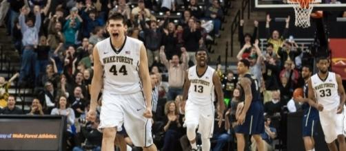 Wake Forest Demon Deacons 2015-16 Season Preview - bustingbrackets.com