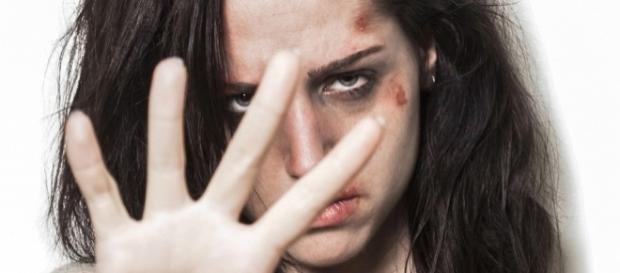 A cada hora, 503 mulheres são agredidas fisicamente no Brasil