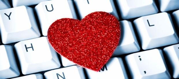 Frases para mandar no Facebook 'aquela' indireta para o crush