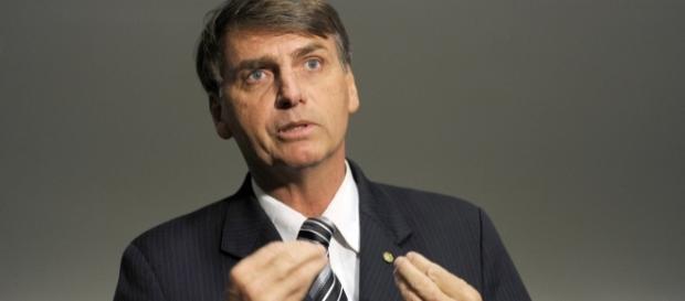 O deputado criticou o ato de fazer comentários sobre política dentro da igreja