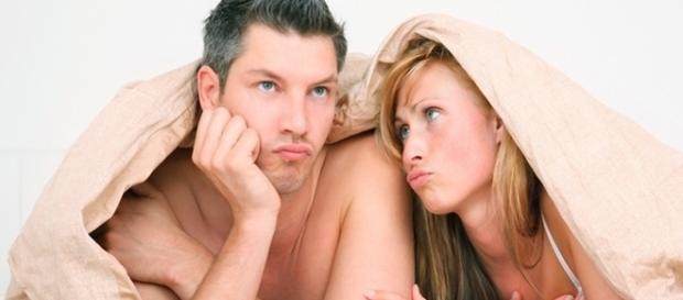Veja quando o homem pode apenas finge na hora íntima