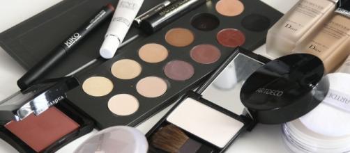 Descubra como usar maquiagem sem prejudicar a sua pele