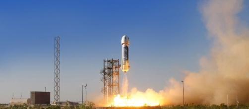 Jeff Bezos' Blue Origin Launches Private Spaceship Test Flight ... - space.com