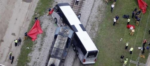 Train hits bus, killing 4 passengers on senior center trip ... - houstonchronicle.com