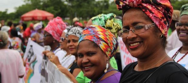 No Dia Internacional da Mulher, as mulheres mostram sua força