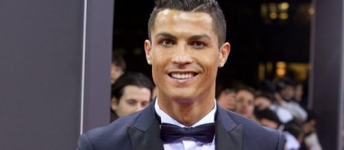 Cristiano Ronaldo será padre de gemelos mediante gestación ... - bekia.es