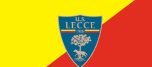 Il Lecce spinto dal suo pubblico.