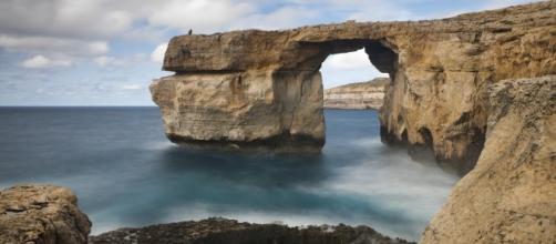 Malta's Azure Window, seen in 'Game of Thrones', has collapsed. - com.au
