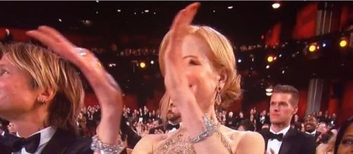 Nicole Kidman Finally Explains Her Bizarre 'Seal' Clapping ... - xanianews.com
