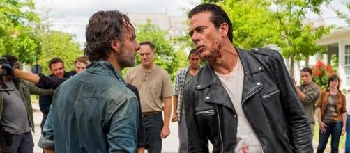 The Walking Dead : le final de la saison 7 promet une guerre sans merci...