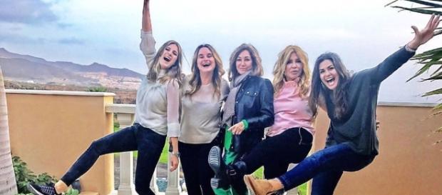 Ana Rosa Quintana y sus amigas en Tenerife.