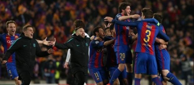 Clebracíon de los jugadores del Barça tras acabar el partido