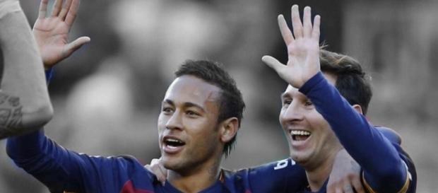 Neymar e Messi comemoram o dia históric