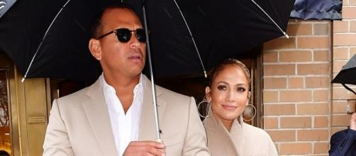 Jennifer Lopez joins Alex Rodriguez for a lunch date in NYC. (Image via Vanity Fair)