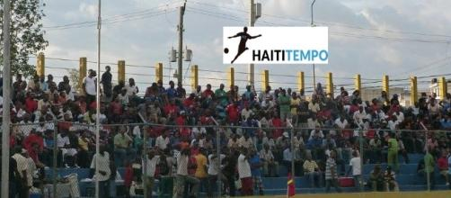 Le publique du stade sylvio cator en Haiti
