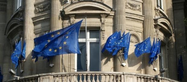 Überflüssig, nervig und sündhaft teuer: die EU. (Source URG Suisse: pixabay)