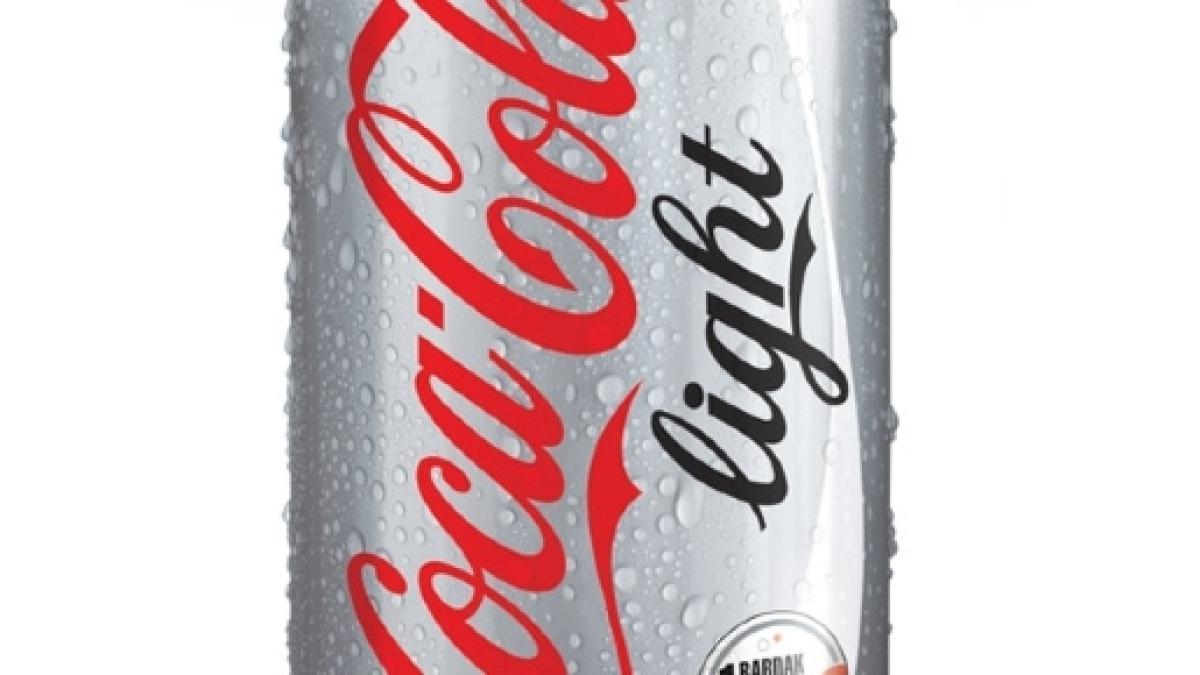 Aspartam-Vergiftung: Frau wird durch ständiges Trinken von Cola ...
