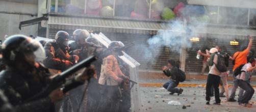 Archivo: Represión en Caracas.