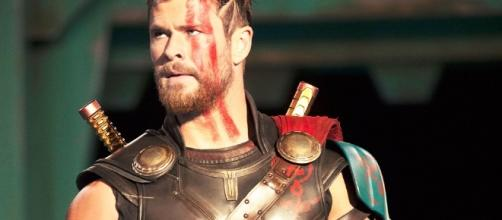 Chris Hemsworth Shares Intense, Shirtless THOR: RAGNAROK Workout ... - nerdist.com