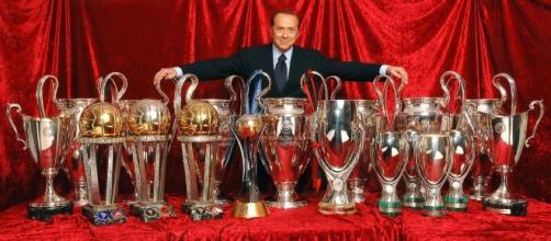 Closing Milan: Berlusconi rifiuta la presidenza onoraria dei rossoneri.
