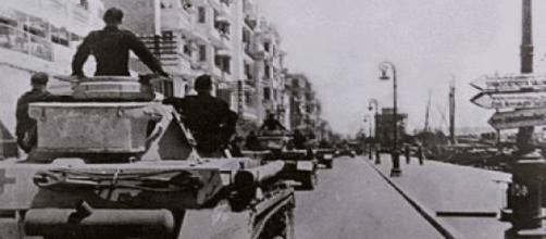 Em 9 de abril de 1941 tanques nazistas invadem Thessaloniki na Grécia