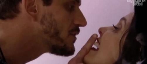 Marcos agride Emilly e Mayla comenta sobre o caso