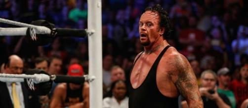 The Undertaker return to Smackdown and hints at another WWE run ... - givemesport.com