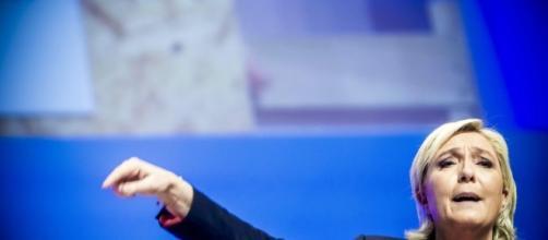 Vél d'Hiv: Marine Le Pen persiste dans l'irresponsabilité - Libération - liberation.fr