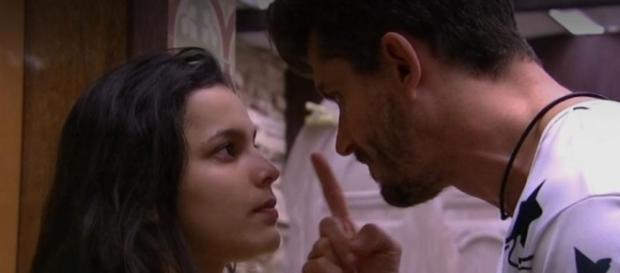 Pai de Emilly pede para Globo tomar providências contra Marcos no BBB 17 (Foto: Reprodução)