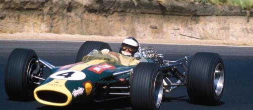 1 Jim Clark con su Lotus volador