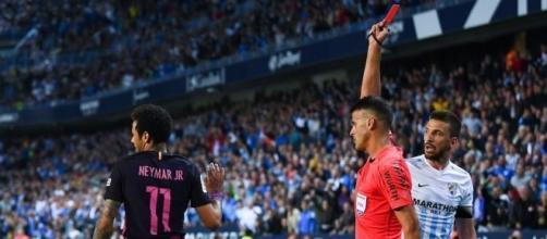 """Boom! Neymar se perderá """"El Clásico"""" por burlarse del árbitro - sopitas.com"""