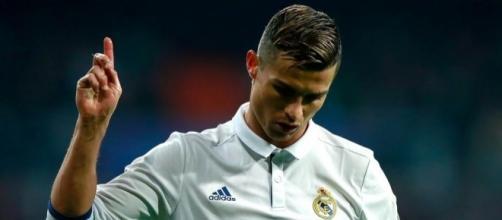 Cristiano Ronaldo reprocha los pitos del Bernabéu - mundodeportivo.com
