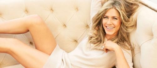 Jennifer Aniston Reveals Struggles With Dyslexia, Anger; Shrugs ... - hollywoodreporter.com