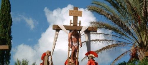 The Stations of the Cross - Photo: Blasting News Library - thesaltytrail.com