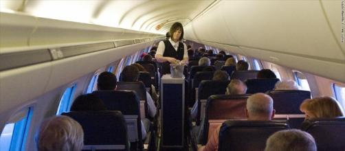 United attendants can get up to $100,000 to leave their job - Sep ... - cnn.com