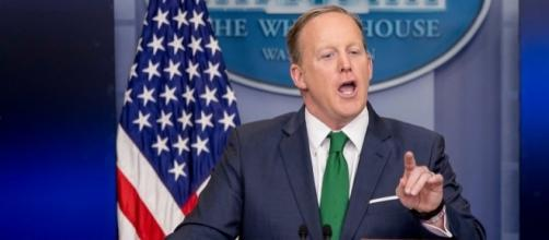 Watch Sean Spicer spar with reporters over Trump's wiretap claims ... - businessinsider.com