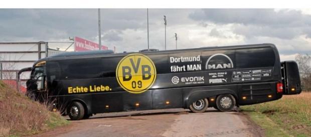 Auf diesen Bus gab es einen Anschlag! (Source URG Suisse Blasting.News Archives)