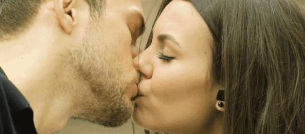 Veja 6 dicas para arrasar no 1º beijo! Você não vai pisar na bola ... - com.br