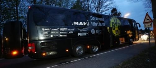 Así quedó el autobús del Borussia tras el ataque.- REUTERS