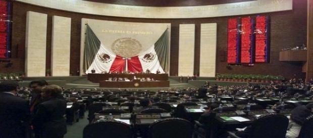 A los Diputados no les interesa legislar, solo salir en la foto.